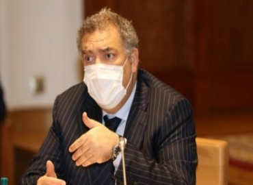 Photo of وزارة الداخلية تشدد على إجبارية وضع الكمامة وتهدد المخالفين بالحبس والغرامة
